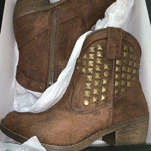 JustFab suede brown cowboy booties